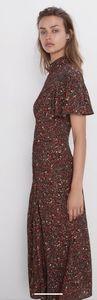 NWT ZARA Gorgeous Floral Print Dress 🌹🌹